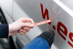 Autoaufkleber entfernen lassen